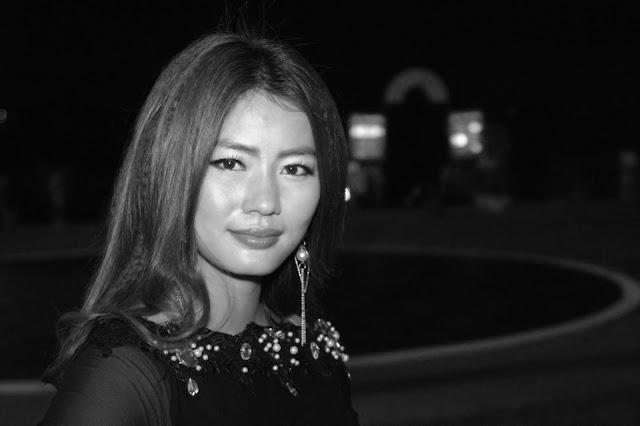 Jeune femme khmère. Photo C.Gargiulo + 855 087 261 019
