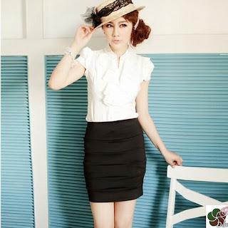 Chân váy bút chì - kiểu kết hợp chân váy với áo sơ mi