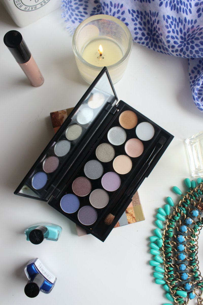 Seventeen Easy on the Eye The Big Smoke Palette Review
