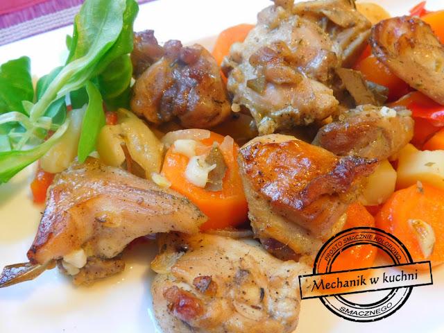 okrasa gotuje królika Królicze skoki w warzywach kreatywna kuchnia mechanik w kuchni kuchnia mechanika rabbit carrot Pszczyna praca