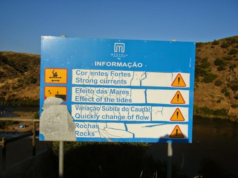 Informação sobre correntes, marés, variação caudal e rochas