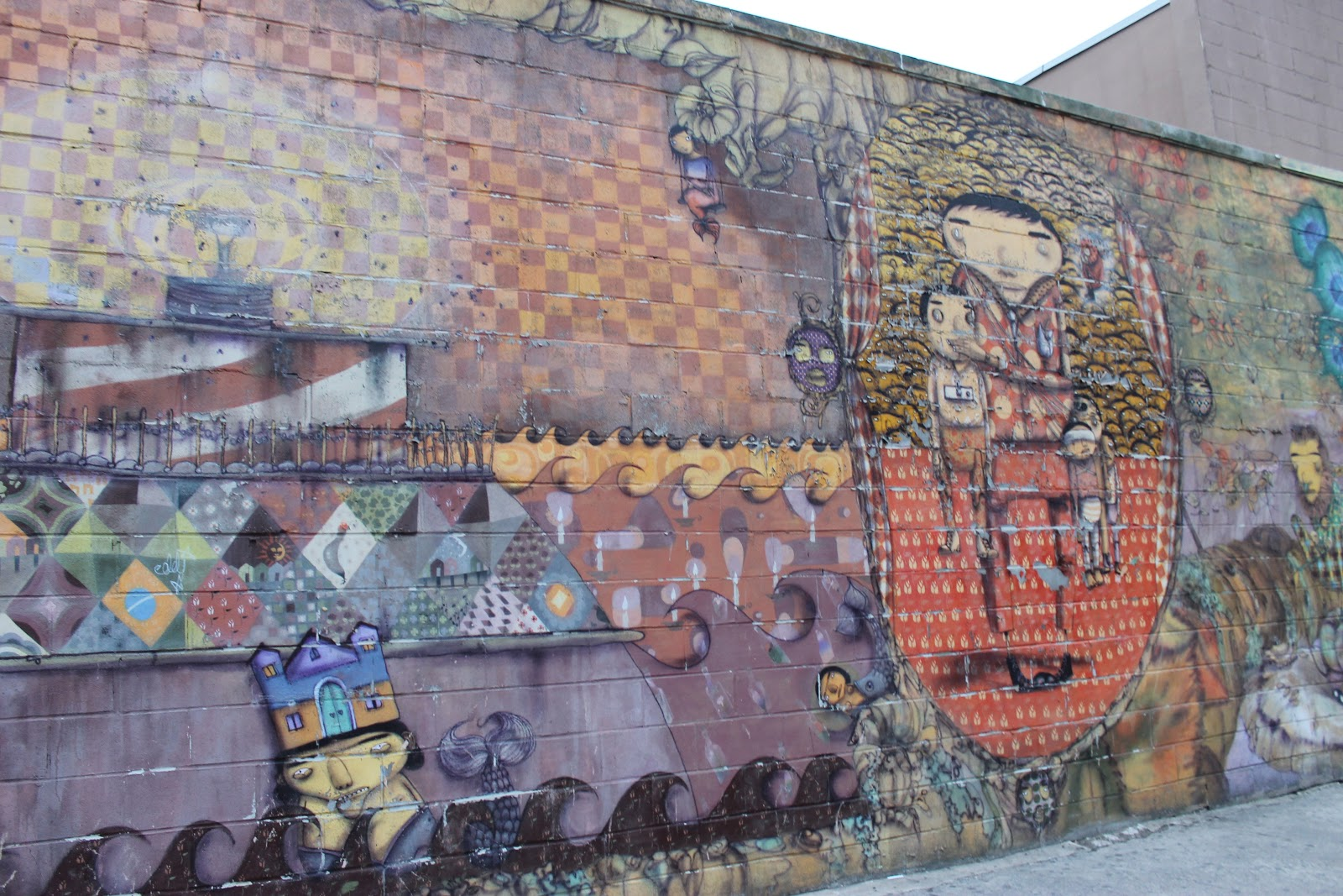 Graffiti brains os gemeos mural coney island for Coney island mural