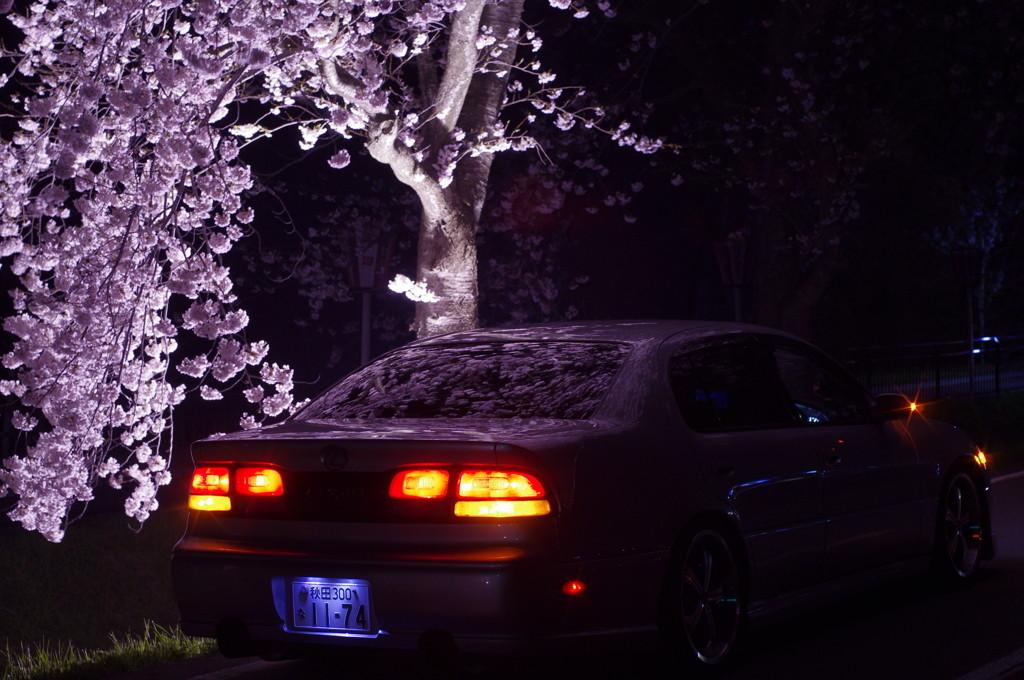 Lexus GS S140, japoński luksusowy sedan, najlepsza klasa premium, piękny design, napęd na tył, 2JZ, fotki nocą, japońska motoryzacja, JDM