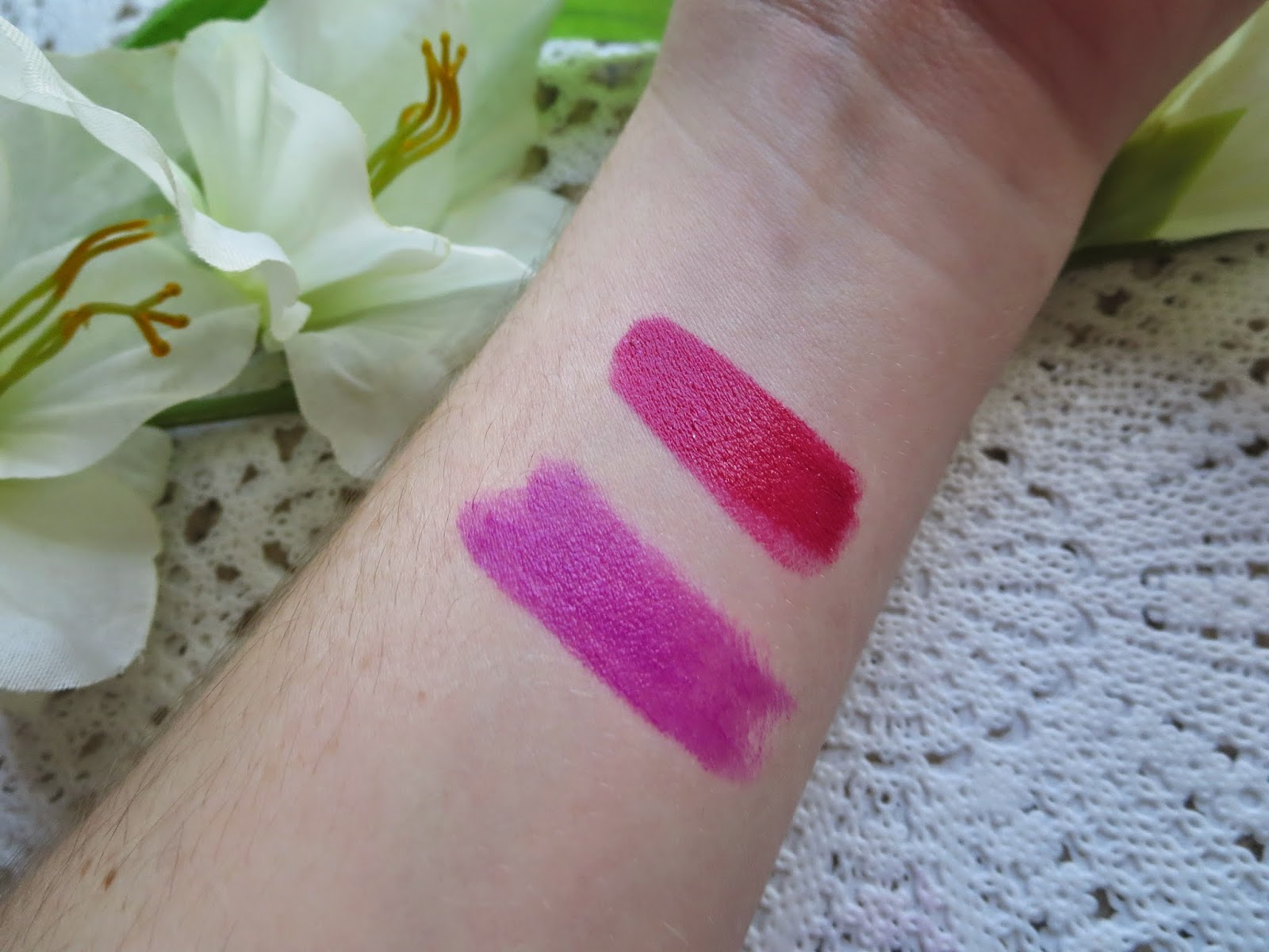 a picture of Maybelline Orchid Ecstasy, Revlon HD Petunia (swatch)