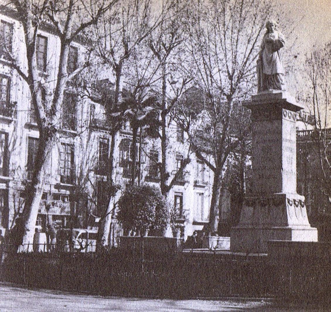 Monumento en Granada de Mariana Pineda