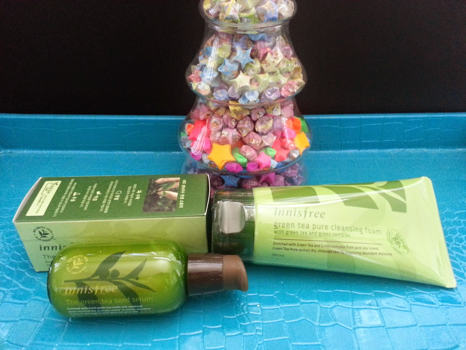 Innisfree Green Tea Seed Serum and green tea pure cleansing Foam Set