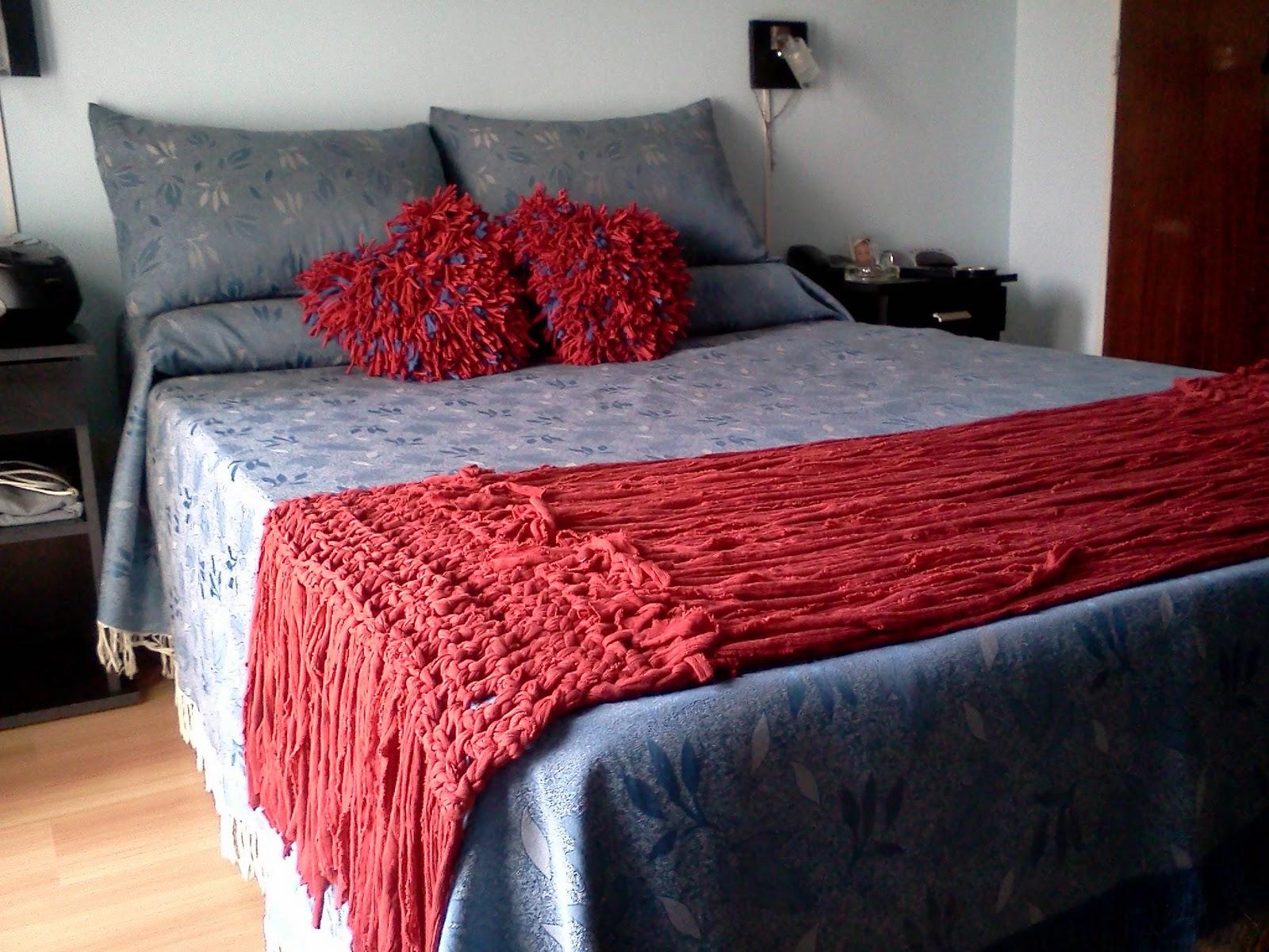La alfombra magica 2012 pie de cama y almohadones con - Pie de cama ...