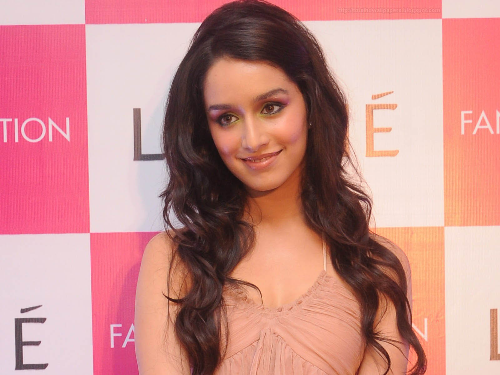 facebook hd images: shraddha kapoor wallpapers hd