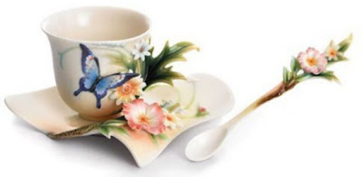 فناجين قهوة باشكال رائعة  Tea-cup-and-saucer-designs-12