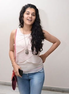Actress Tapsee Pannu Latest Pictures 011.jpg