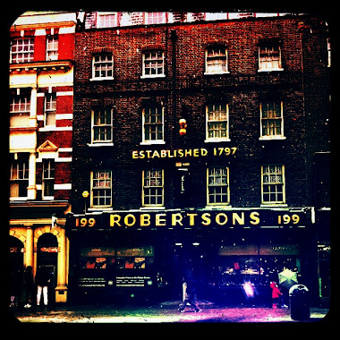 Suttons &amp; Robertsons Edgeware Road London