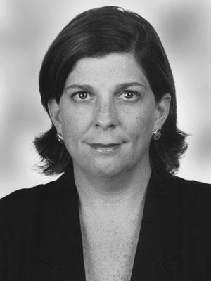Rosa María Palacios en grises