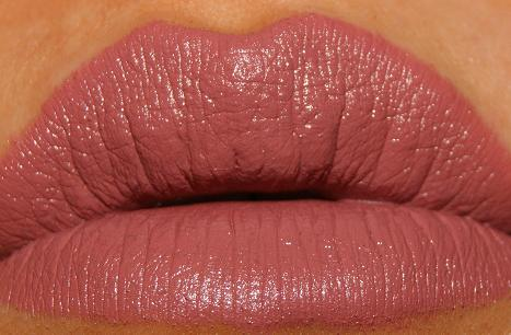 how to wear matte lipstick without drying lips