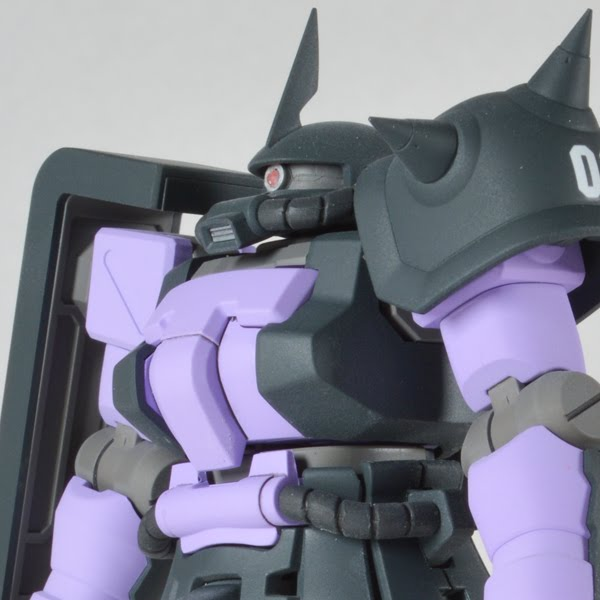 HG Zaku F2 Black Tri-Star