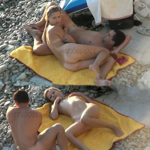 BeachHunters Sex 17016-17075 (Amateur Sex on a Nudist Beach)