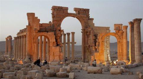 Οι τζιχαντιστές ανατίναξαν την Αψίδα του Θριάμβου στην Παλμύρα