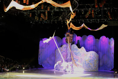 Disney on Ice Rapunzel and Flynn fly