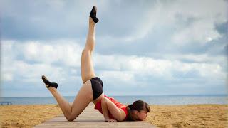Tehnik Yoga untuk Mengobati Varises secara Alami dan Cantik