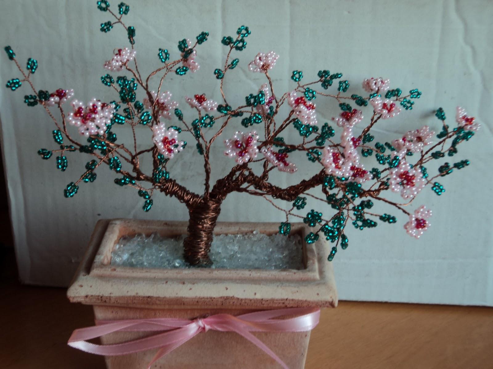 Fiori e animali di perline fiori di perline for Albero con fiori blu