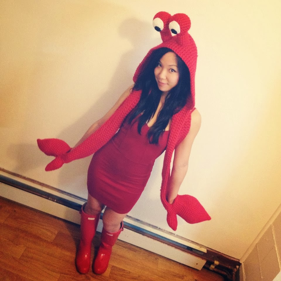 i amicute crustacean senstation crocheted crab costume with shell backpack. Black Bedroom Furniture Sets. Home Design Ideas