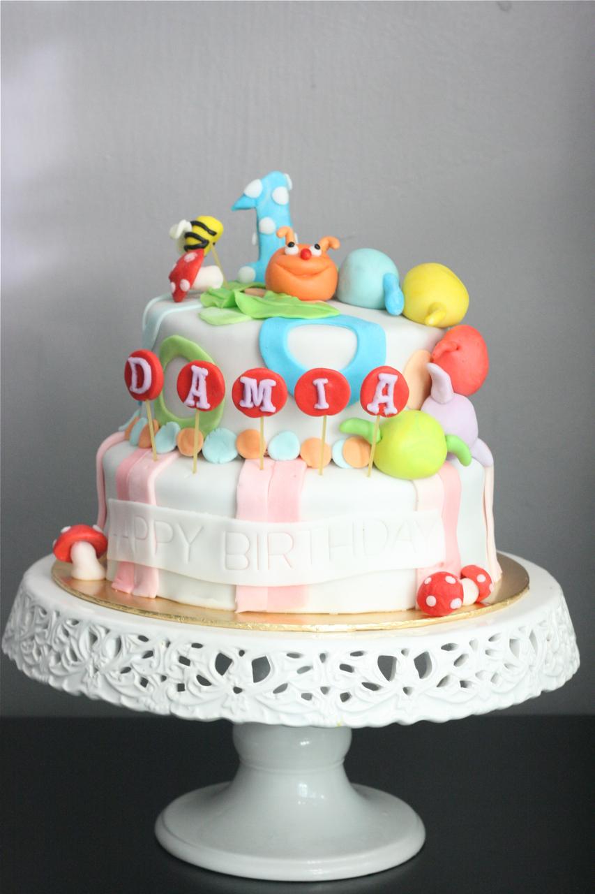 how to make a caterpillar birthday cake