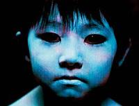 niño de ojos negros