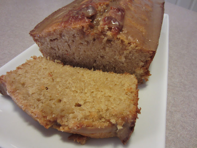 Glazed Maple Buttermilk Loaf Cake: Easy recipe that is full of maple flavors! #cake #dessert