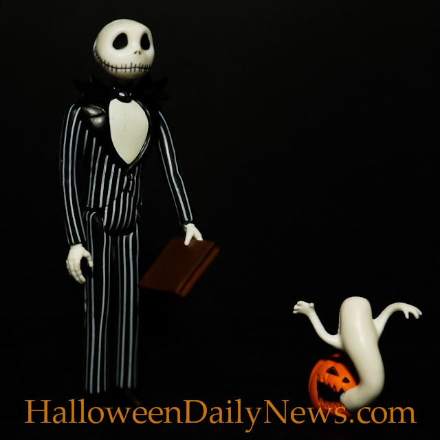 nightmare before christmas jack skellington reaction figure photo gallery halloween daily news - Christmas Jack Skellington