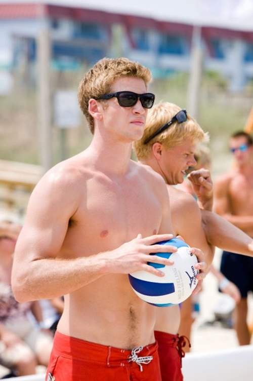 Liam Hemsworth The Last Song Volleyball Liam Hemsworth The Last SongLiam Hemsworth The Last Song Volleyball