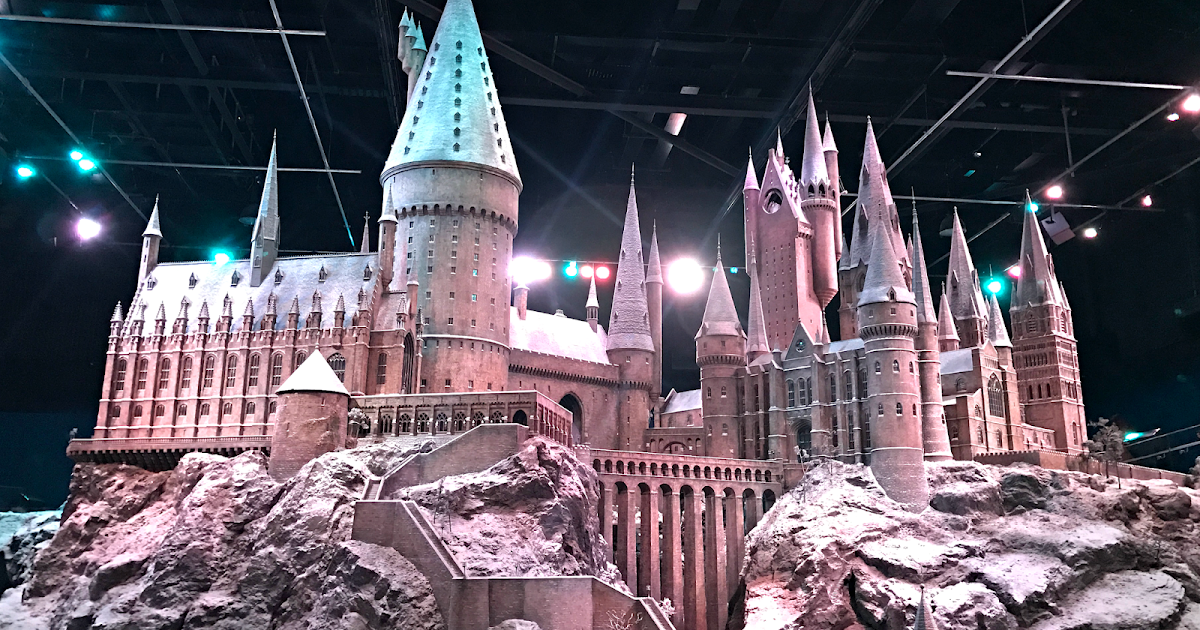 This Brand New Hogwarts Experience Will Make Your Valentine's Day A Thousand Times Better