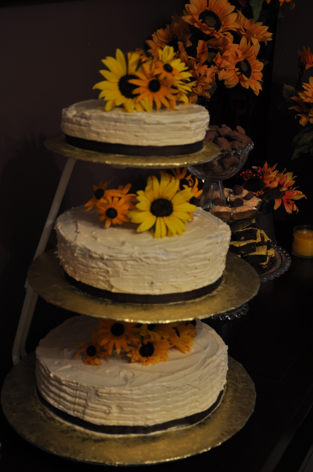Cooking And Entertaining With Leah Champagne Wedding Cake With - Pineapple Wedding Cake