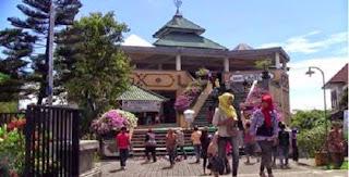 Tempat Tujuan Wisata Rohani Favorit Saat Bulan Ramadhan