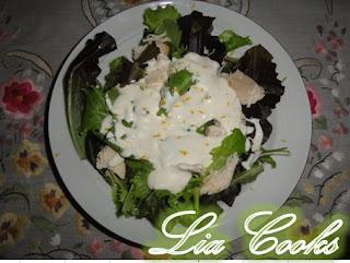 Κοτοσαλάτα με σάλτσα γιαουρτιού