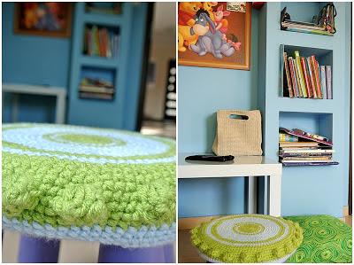 niebieskie ściany,pokój chłopca DIY,mammut, pokrowiec zrobiony na szydełku,szydełkowanie DIY