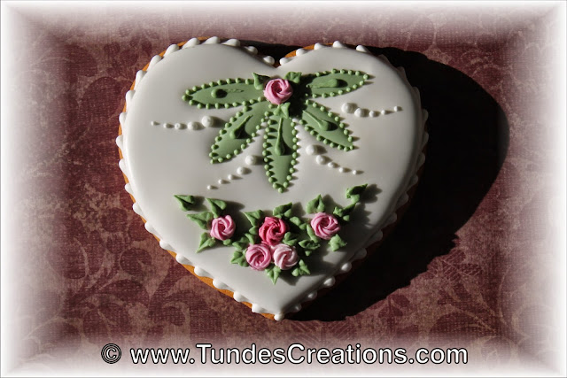 Gingerbread heart cookie by Tunde Dugantsi