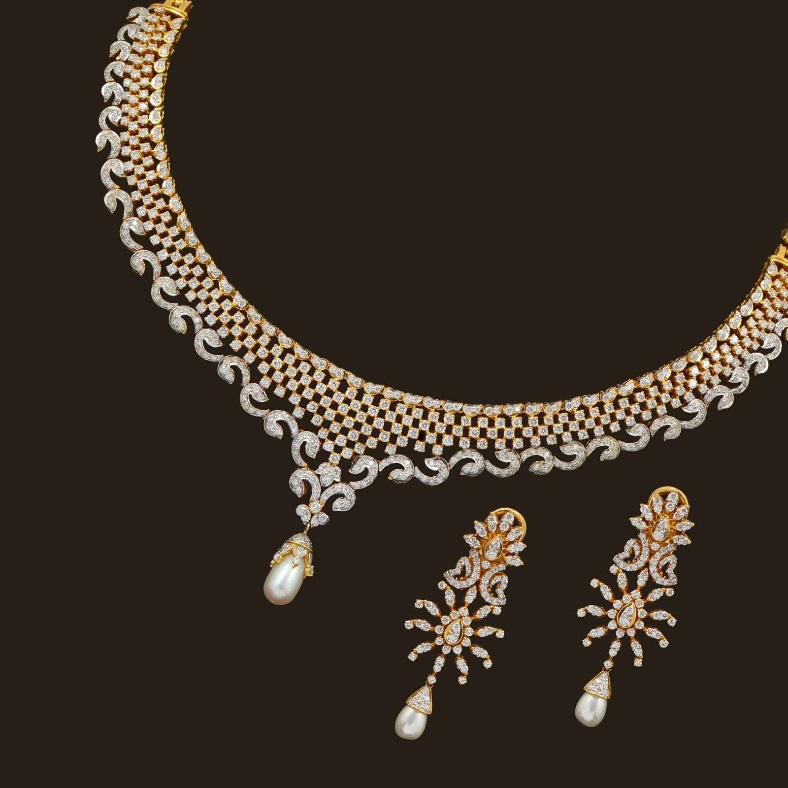 Vummidi Diamond Necklace Sets