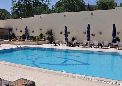 akgün-otel-yüzme-havuzu-topkapı-istanbul