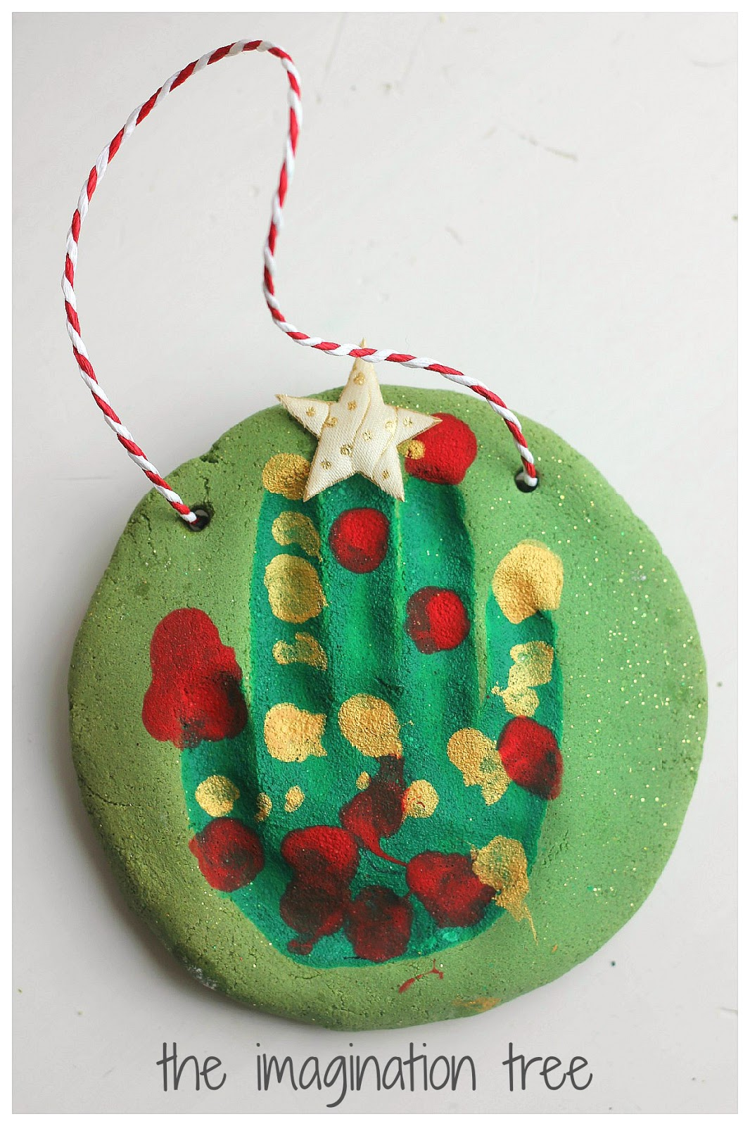 Love Handprint Ideas? See More Here: Collaborative Handprint Christmas Tree