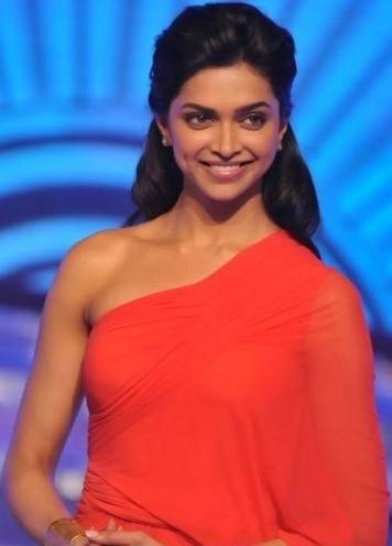 Deepika Padukone Hot Boobs