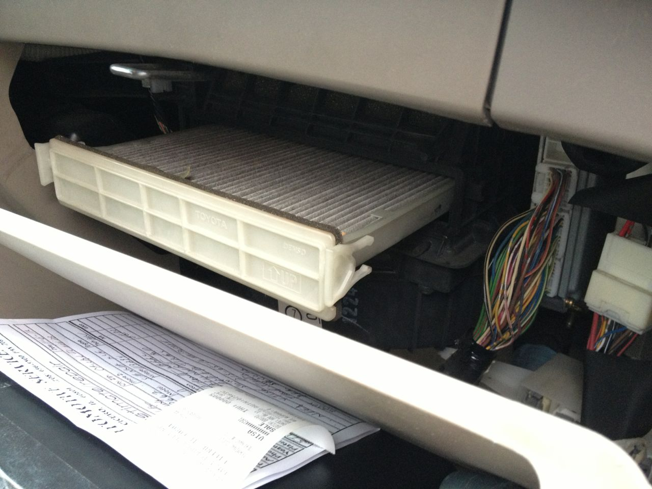 2004 toyota sienna cabin air filter location 2004 get free image about wiring diagram. Black Bedroom Furniture Sets. Home Design Ideas