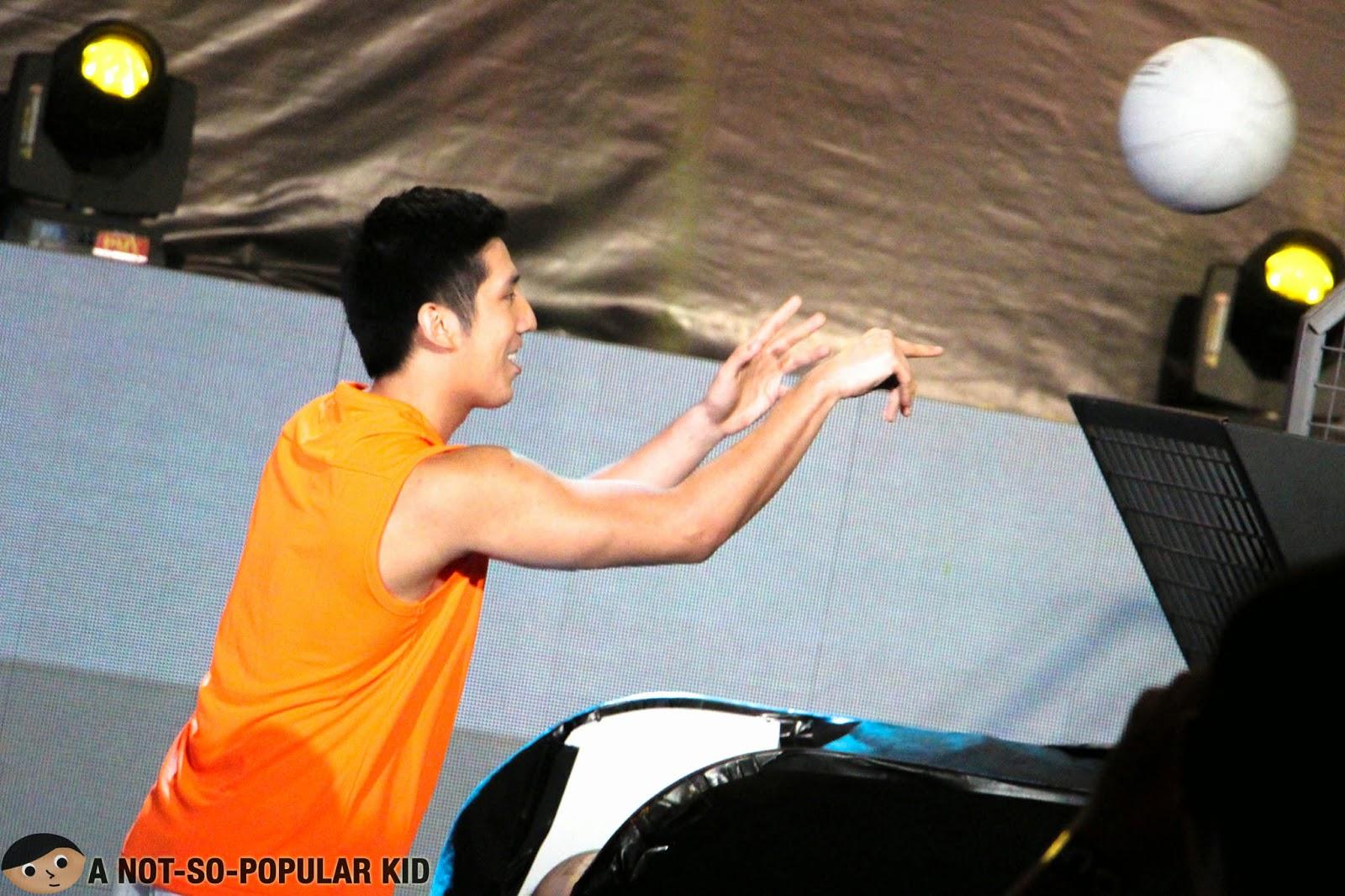 Jeric Teng in the PLDT Ultera #SpeedYouCantBeat Challenge