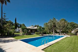 piscina+azules+combi Colores de agua de piscina.