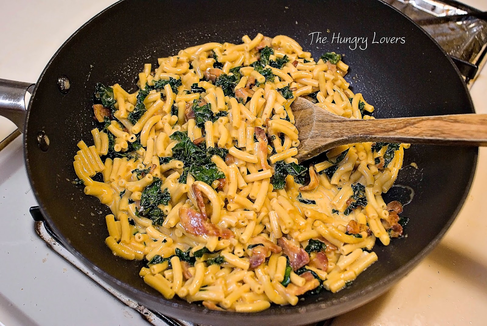 One-Pan Mac & Cheese with Spinach & Bacon