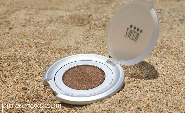 Zuzu Luxe Chameleon Eyeshadow Swatches