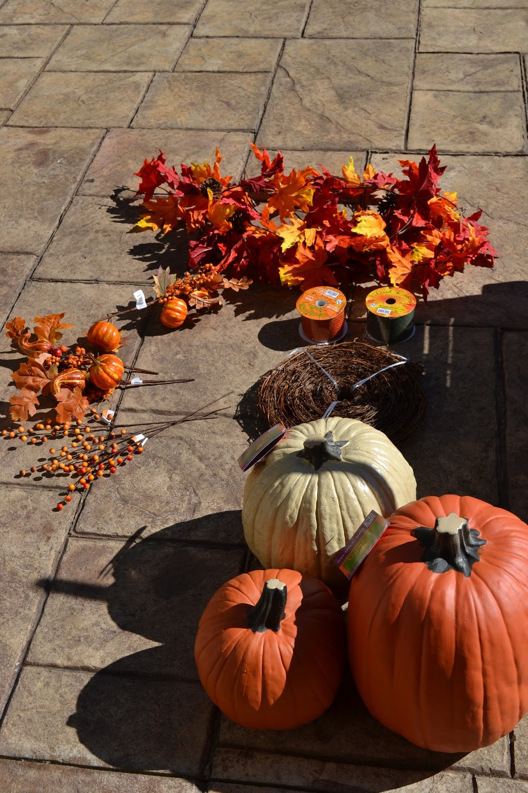 I Started With Three Pumpkins Of Varying Sizes, Some Fall Picks, Leaf  Garland And Grapevine Garland.