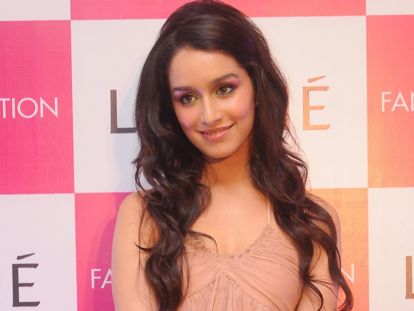 Shraddha Kapoor Hot HD New 2015 Photos Collection