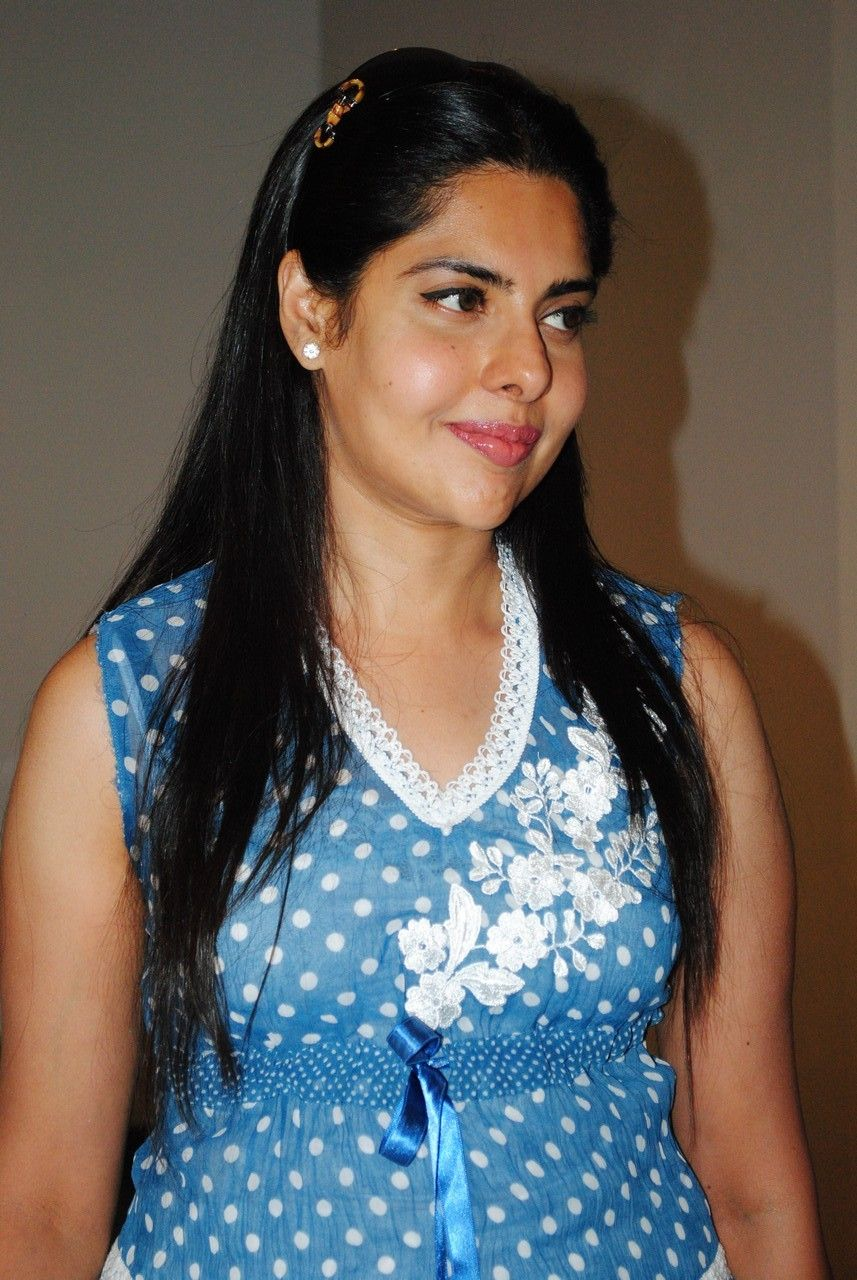 Maheswari Telugu Actress stylish Stills