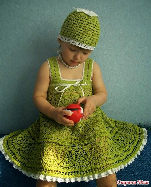 Vestido y gorro para niña tejido al crochet con patrones y esquemas gratis