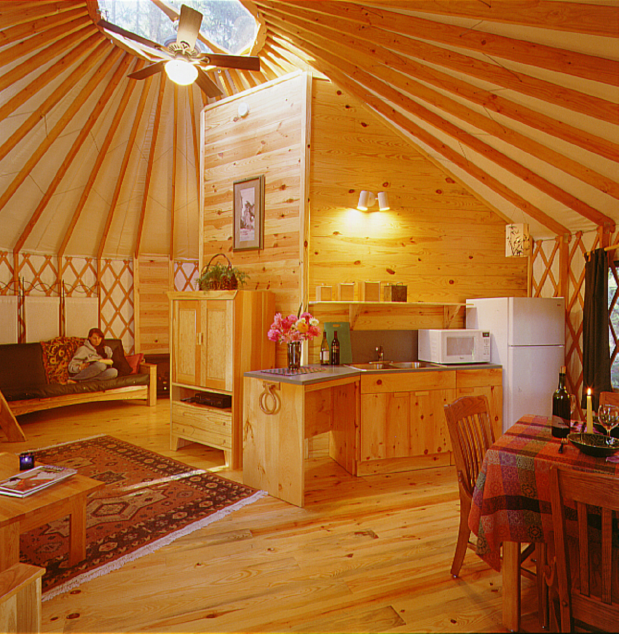 Little yurt in the woods for Home interior pictures