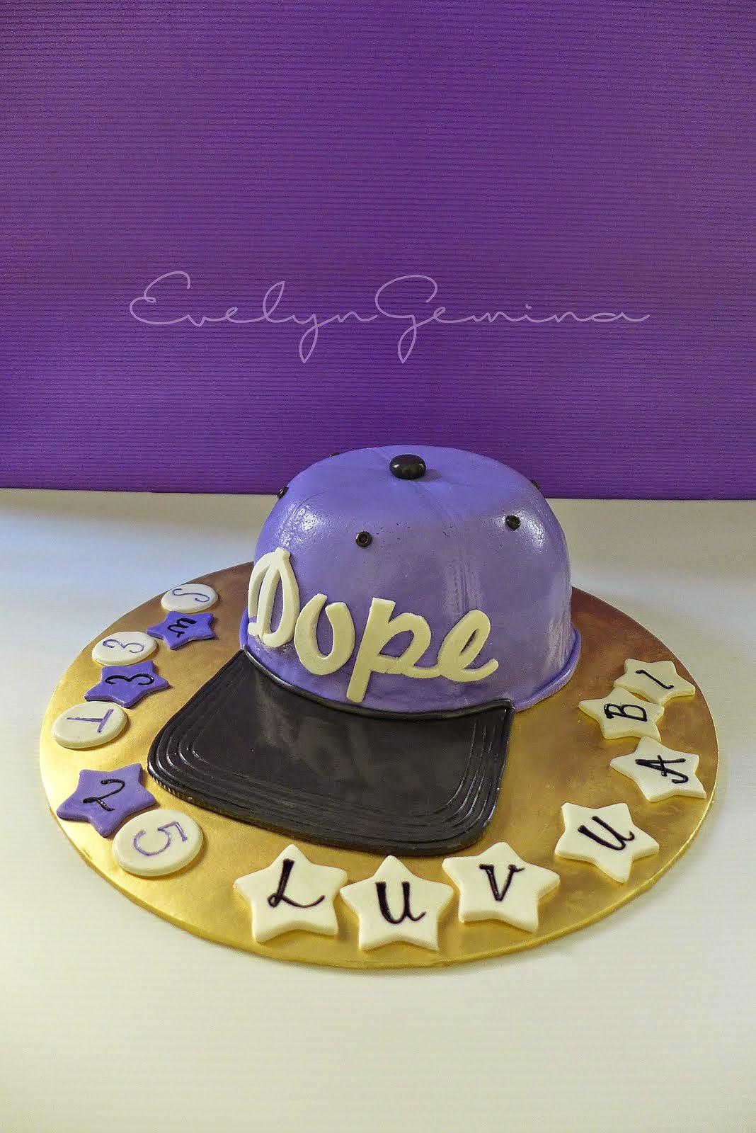 Fondant Cap cake (Devil's food cake) / 2kg